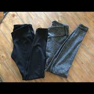Two pairs of small Old Navy workout leggings